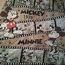 ミッキー&ミニーの布製の敷物