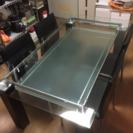 ニトリのガラスダイニングテーブル