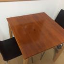 [再値下げ]ダイニングテーブル 椅子2つ付き