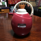 昭和の匂いがプンプンする魔法瓶
