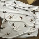 猫のカーテン