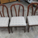 So26. 椅子 3個