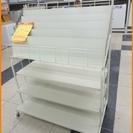 【引取限定】マガジンラック ホワイト 雑誌 本棚 コンビニの雑誌コ...