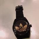 アディダス 黒 腕時計!