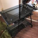 ガラス製PCデスク