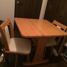 ダイニングテーブル&椅子二脚セット