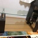 美品ガラスのテーブル