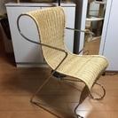 スタイリッシュ 籐の椅子