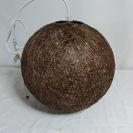 インテリア調の電気のカサです。網目模様の木製の丸型カサでLED電球...
