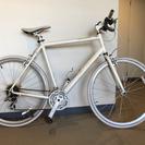 白色 自転車 FUJI アブソリュ...