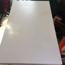 0円!IKEAの真っ白なテーブル