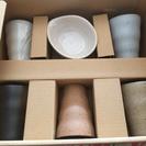 陶器コップ5個と小皿一つ