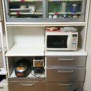 食器棚 引越しのため。