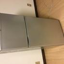 中古112リットル冷蔵庫 グレー 外側汚れあり 2007年製