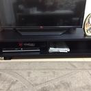 ブラック木目調のテレビ台