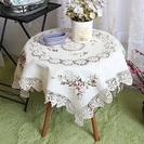かぎ針編みの花の刺繍テーブルクロス