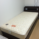 シングルサイズのベッドとマットレスあげます