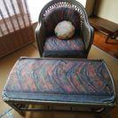 籐のソファーとガラステーブル引き取り希望
