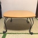 木製テーブル、一人暮らしにぴったりです。