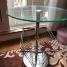 マガジンラック付きガラステーブル
