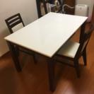 ニトリ伸長式ダイニングテーブル(椅子2つ付)80センチ