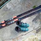 昔の普通~のスキー板とブーツ