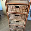 アジアン調家具 籐製の棚