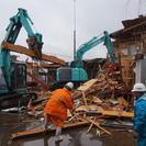 解体作業現場での補佐、雑用