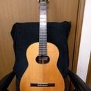 ヘルムート ブッフシュタイナーのギター(中古)です。