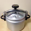 (未使用)圧力鍋6リットル