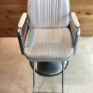 美容カット椅子(タカラベルモント製)