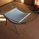 インテリアデザイン性に富んだセンターテーブル