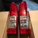ハイエース  200系 純正 テール ランプ レンズ