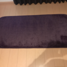 ふわふわの紫色のラグ★新品★