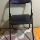 こげ茶色のパイプ椅子3セット