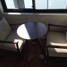 1人掛けチェア2点とテーブルのセット