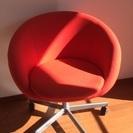 ローラー付椅子
