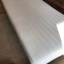 脚付きシングルベッド