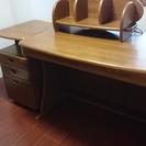 小島工芸の学習机袖机(昇降式)・机上本棚を格安でお譲りします。