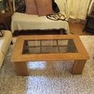 おしゃれな木製ガラステーブル