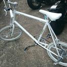 白オシャレ自転車明日までで売りに行きます