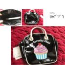 カップケーキ柄手さげバックエナメル地定価3229円