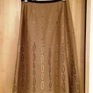 刺しゅうスカート