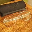 シンプルなだてメガネ