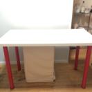 IKEAのテーブル 作業台にどうぞ