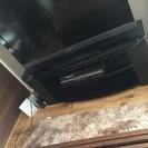 ガラスのテレビボード