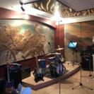 カラオケ、バンド、ライブイベントと出演者