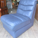 相談中 合成皮のソファーの片割れ 1人用ソファーもらってください。