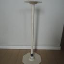 地震対策・転倒防止用の突っ張り棒(金属製)