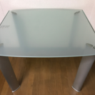 大塚家具のハイテーブル